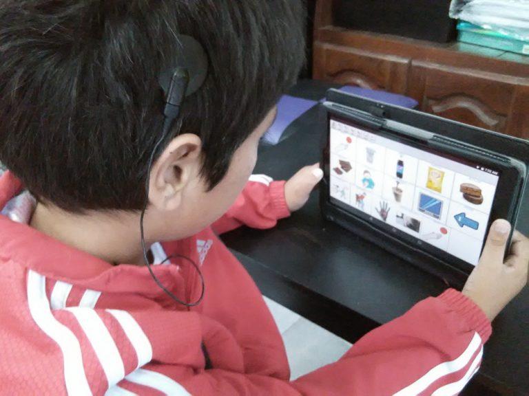 Ofrecemos equipamiento de tecnología adaptada y sistemas de Comunicación Aumentativa Alternativa